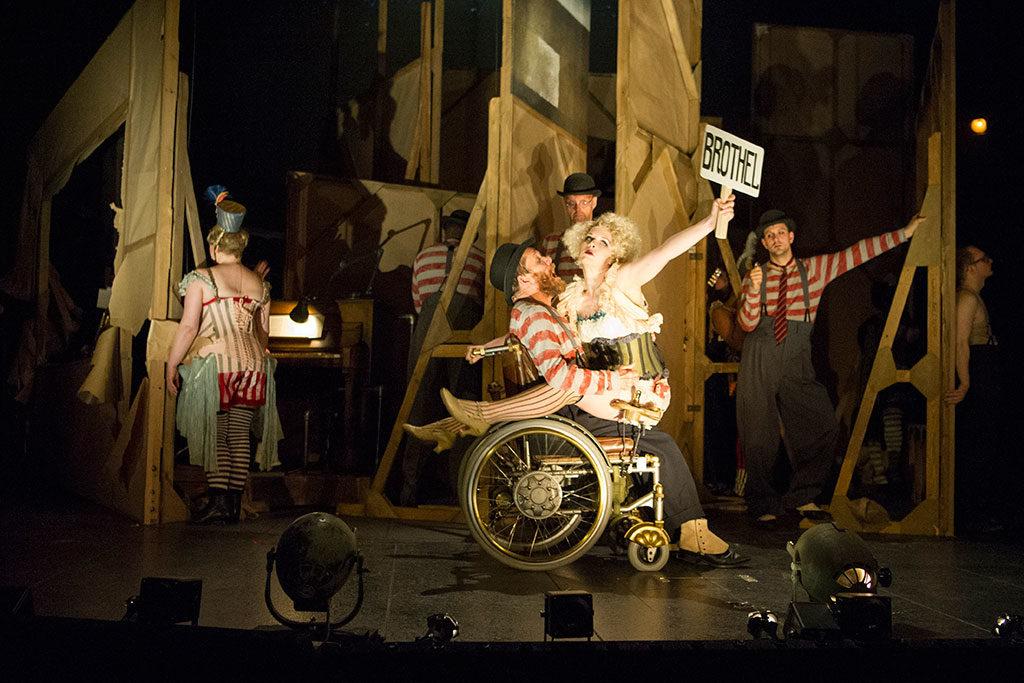 The Threepenny Opera, Olivier