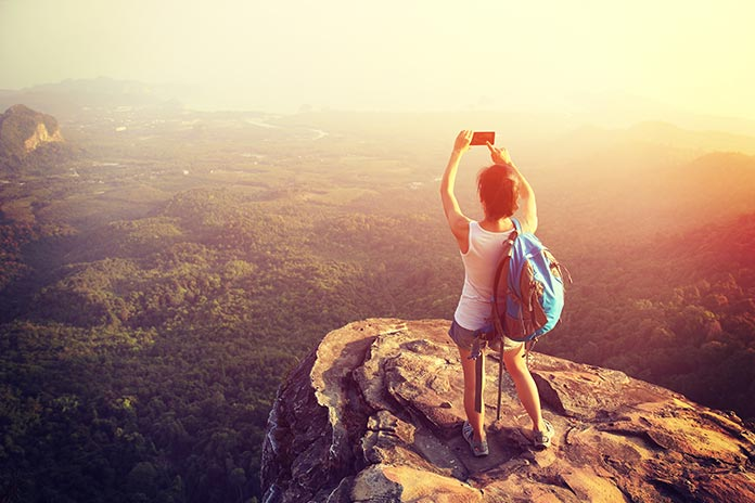 7 Clever Ways to Make More Money While On Holiday