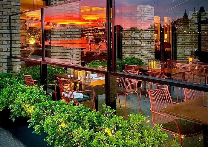 Sams Riverside outdoor terrace