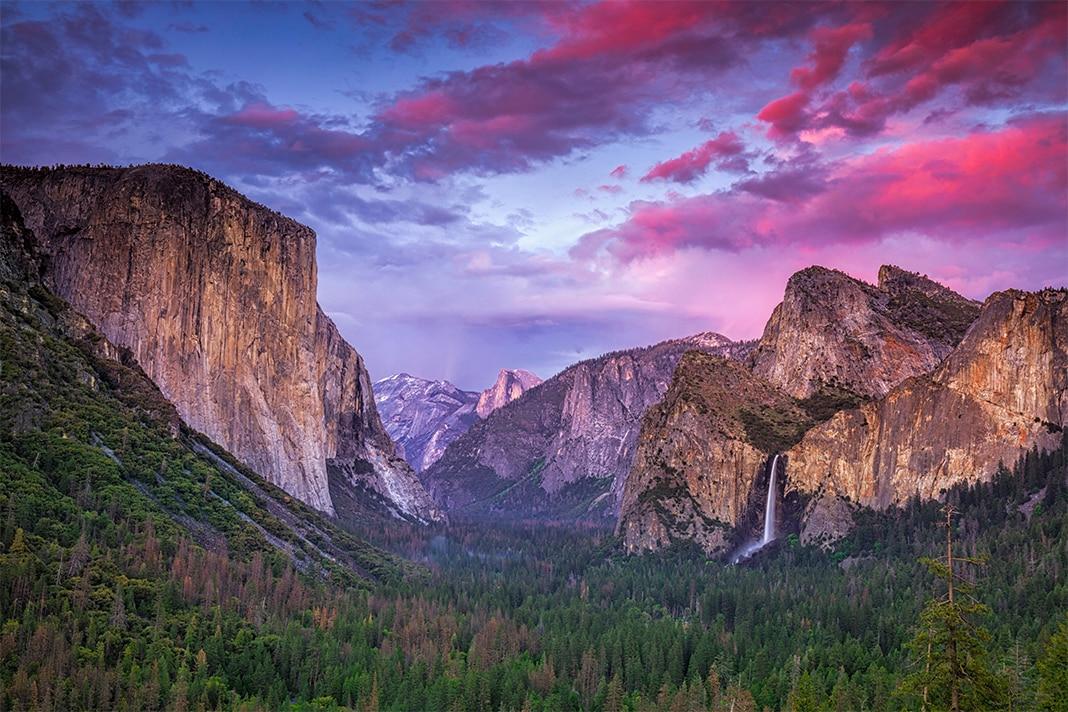 Yosemite national Park at sunset, best U.S. states