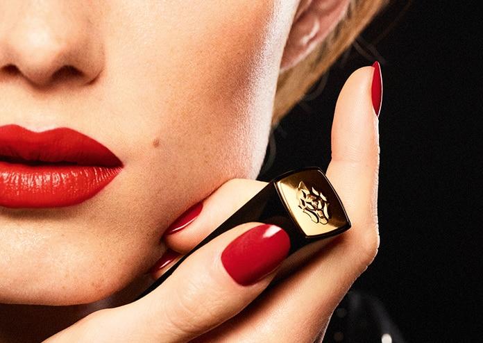 Chanel Rouge Allure Velvet Le Lion lipstick