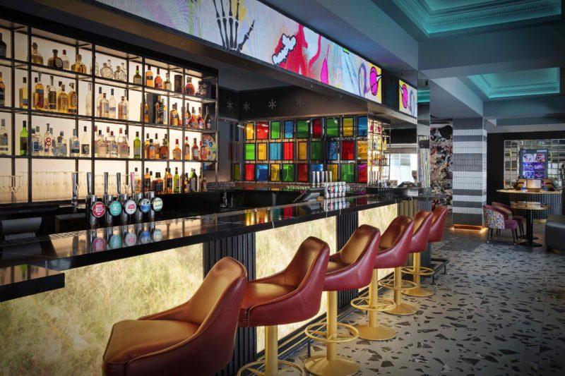 N Y X Hotel London Holborn Bar Day [ ]